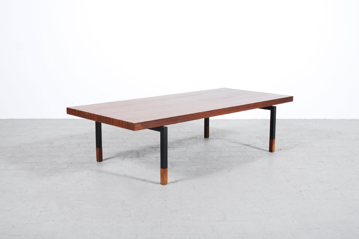 Table basse danoise palissandre 1960 jasper for Table basse danoise